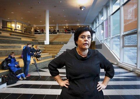 Statssekretær Anne Bramo holder SIO-døren åpen for Indre Østfold kommune.