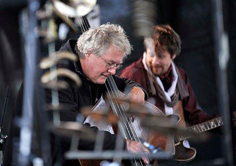 Kontrabassisten Arild Andersen er tildelt Molderosen 2018. Her fra Molde Jazzfestival i 2008. Foto: Vidar Ruud / NTB scanpix