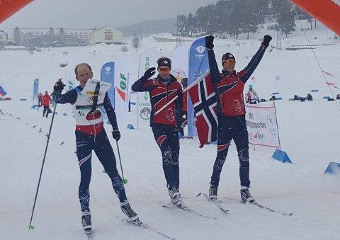 Moholdt var norsk ankermann og hadde i mål 13 sekunders forsprang til sølvvinner Russland.