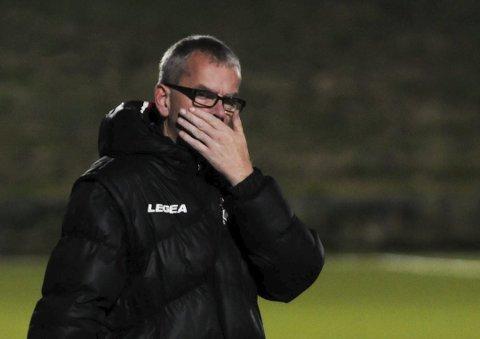 FK Tønsberg-trener Jan Eddie Hansen fikk sparken mandag. – Det er helt urimelig å si at vi har levert dårlige resultater, sier han.
