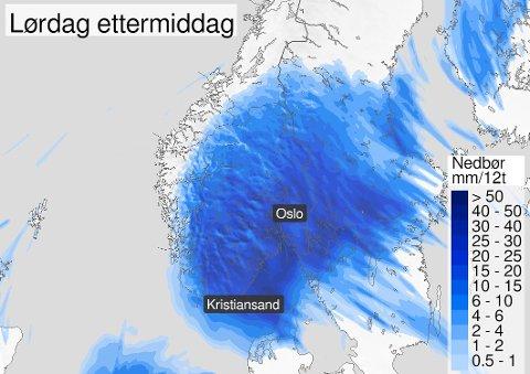 VÅTT: Et kraftig lavtrykk fra sør vil gi både kraftig vind og regn natt til lørdag. Meteorologisk institutt har utstedt to farevarsler.