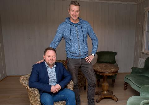 STANDUP: Det var noe usikkert om Thomas Nyland (t.v.) og Paul Håvard Østby ønsket å gjennomføre humorshowet i lys av tragedien på Kapp.
