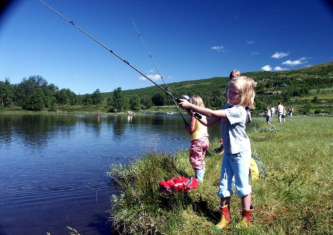 Fiskedag ved Buaråne: Søndag 9. juli skjer det igjen. I 30 år har de hatt denne fiskedagen.