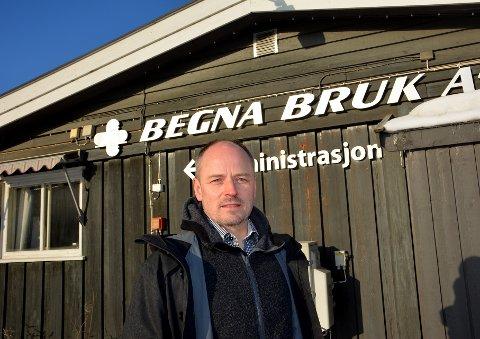 Alt i orden: Dagleg leiar på Begna Bruk, Trond Mæhlum, melder om normale tilstandar på bruket att, etter branntilløp tysdag.