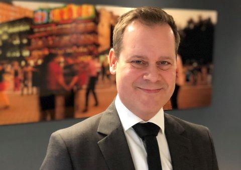 TRENGER RÅD: Bård Åke Petersson, daglig leder i Forvaltningshuset, forteller at pågangen fra kundene er stor om dagen.