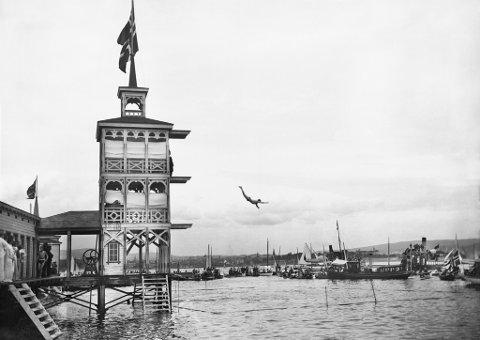 Dette badeanlegget befant seg på Bygdøy omkring år 1900. Det ga inspirasjon til å gjenoppta tradisjonen.