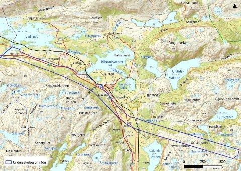 KARTLEGGES: Innenfor de blå linjene fra Ørnaknuten til Helleren på Ualand skal det nå kartlegges rødlistede arter og naturvernområder.
