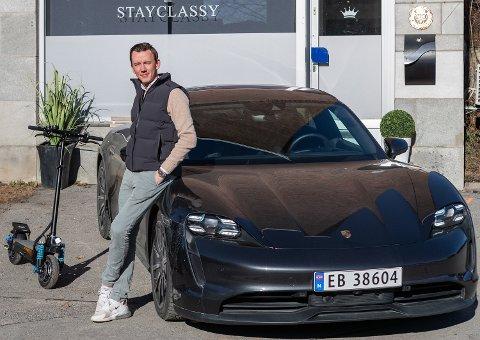 ELEKTRISK: Stayclassy-eier Thomas Holstad har gjort det bra på elektriske framkomstmidler. En elektrisk Porsche må han selvfølgelig ha. Foto: Jørgen Hyvang