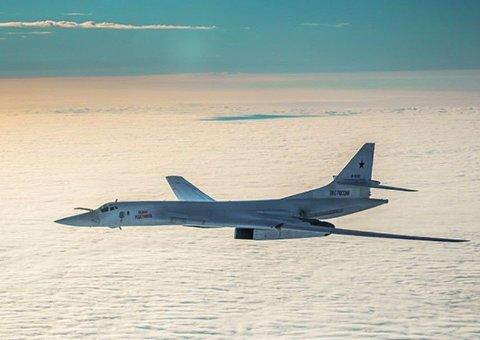 Det russiske bombeflyet TU-160, som er bygd for å føre atombomber, avbildet over Arktis tirsdag forrige uke.