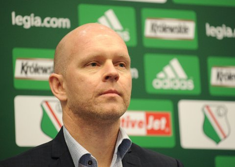 Henning Berg på pressekonferanse da han ble ansatt som Legia-trener.