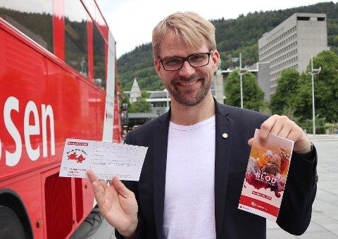 Byrådsleder, Roger Valhammer, registrerte seg som blodgiver fredag og kan nå vente en innkalling til å gi blod innen 1 - 2 mnd.