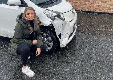 FORTVILER: Silje Snippen Fjeld fant bilen sin kraftig bulket mandag morgen. En takst viser at skadene vil koste 60.000 å reparere.