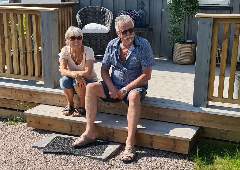 HEIMLEGE TRAKTER: Stein Jonny Kilen og sambuaren Kristine Sirevåg, som opphavleg kjem frå Ryfylke, har flytta til småbruket Stein Jonny kjem frå.