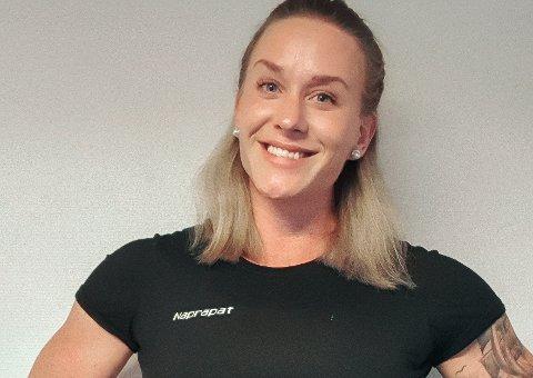 Malene Larsen frå Florø er Danmarks einaste naprapat. Men no har ein av pasientane hennar byrja på naprapatutdanning, så med litt flaks får ho ein kollega om ein tre-fire års tid.