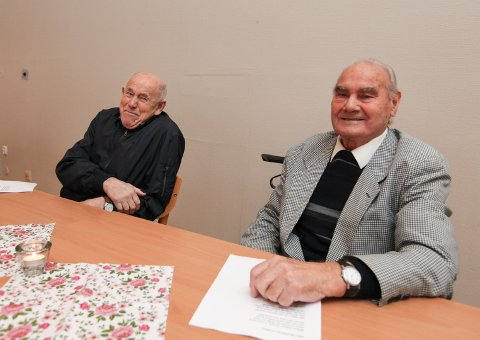 Kameratar: Magnus Midtbø (86) og Kåre Johannessen (83) møter fast på Havglytt.