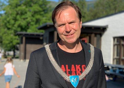 INGEN EFFEKT: Alfred Bjørlo var den mest populære lokalpolitikaren i Norge i fjor. Den effekten er sterkt fråværande på vår måling. Her har partiet hans heile 1,2 prosent opp til sperregrensa. - Slik eg ser det kan det berre gå ein veg herifrå, svarer han.