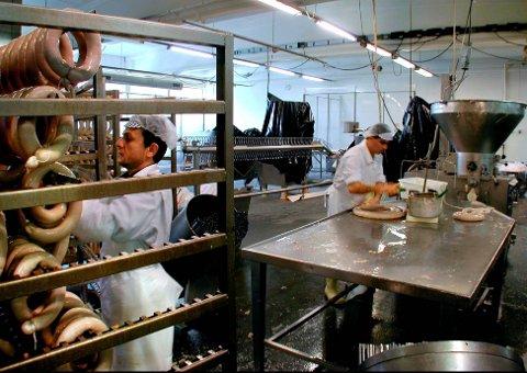 MEIRARBEID: No må slakteriet ha inn ei ny linje for kjøt frå gardar utan godkjent kvalitetssystem.