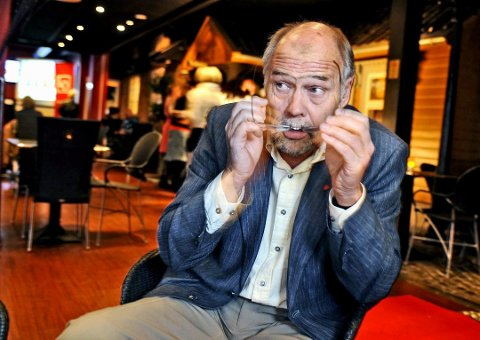 Slår tilbake: Tidligere stortingspolitiker Jørn L. Stang slår tilbake mot Aps skryteliste over Svein Roald Hansens (bildet) Østfold-innsats.