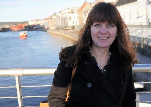 Blir en drivkraft i byutviklingen: Eva Hagen er styreleder i Fredrikstad kommune Eiendomsutvikling, som skal utvikle 27 eiendommer. Trosvikstranda står høyt på listen. (Foto: Øivind Lågbu)