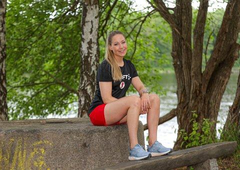 Thea Øby Olsen har vært gjennom et to år langt skademareritt. Nå er hun tilbake og satser for fullt på å rekke seriestart i september.