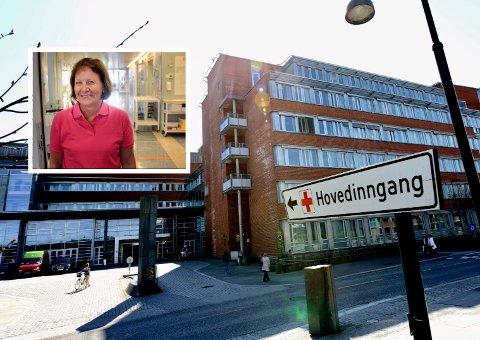 ENDRER: Sykehuset i Vestfold endrer rutinene. Nå skal koronaprøver også sendes til Oslo for analyser. Avdelingssjef Bodil Tidemand Ruud sier det kan føre til at pasientene må vente lenger på svar.