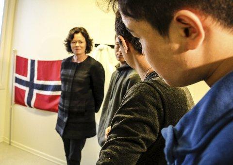 Stenger: Solveig Horne, barne-, likestillings- og inkluderingsminister, var med og åpnet omsorgssenteret i Svullrya i desember 2015. Nå stenges senteret midlertidig fordi flyktningstrømmen er blitt mindre.