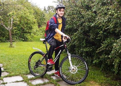 LANG TUR: Det ble en lang sykkeltur for Patrick Estensen Øverby da han skulle besøke kameraten på Kongsvinger.