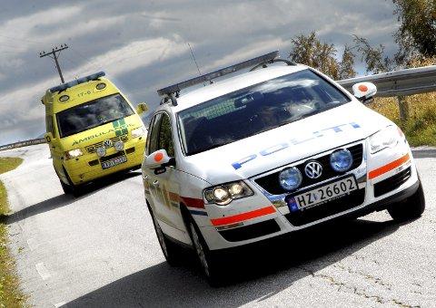 Ambulansen kom først for å hjelpe mannen - men det endte med at mannen tok turen til Hamar sammen med politiet. Der måtte han overnatte i fyllearresten.