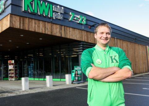 NY I JOBBEN: Pål Tyvand (32) er ny butikksjef på Kiwi Grua.