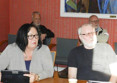 BEKYMRET: I front fra venstre sees  Fagforbundets Bente Helle og Utdanningsforbundets Asle Milde.   Arkiv. Foto: Hanne Eriksen