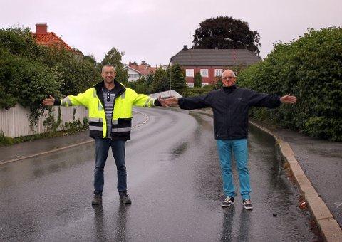 STENGES IGJEN: I august illustrerte Torbjørn Larsen og Knut Nilsen stengingen av Gimleveien i Halden Arbeiderblad. Nå stenges veien igjen for å legge ny asfalt.