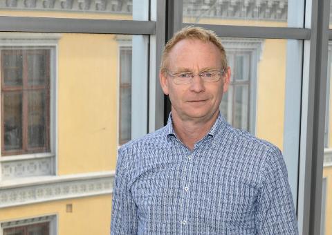 PLUSS IGJEN: Rådmann Roar Vevelstad er fornøyd med at Halden kommune styrer mot et nytt overskudd. - Det som gleder mest er at driften går i pluss, sier han.