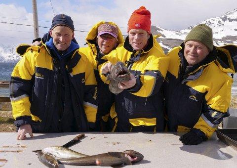 GUTTA PÅ TUR: Vegard Ulvang, Arne Brimi, Bjørn Dæhlie og Arne Hjeltnes. Foto: Dag Vidar Hopøy/ Parkas Production