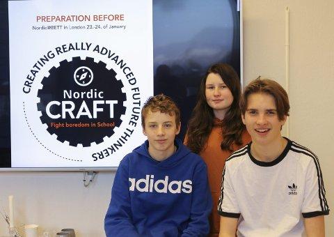 Kjempar mot keisemd: F.v. Martin (14), Sonja (14) og Jone (14) skal nytte teknologi til å kjempe mot keisemd i skulen. 23. januar skal dei til London og presentere prosjektet på utdanningsmessa BETT.