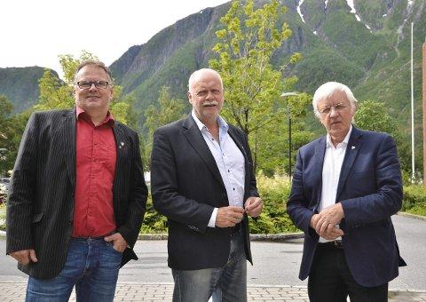 Ordførere: Bjørn Ivar Lamo fra Grane, Jann-Arne Løvdahl, Vefsn og  Asgeir Almås, Hattfjelldal  lover alle å slåss for bevaring av Kjærstad.Foto Toril Risholm