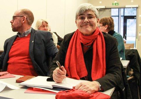 HOLDE VARM: Ellen Schjølberg vil holde finansieringssaken varm. Hun sier at E6 Helgeland ikke er ferdig bygget før de to strekningene helt sør i kommunen står ferdig bygget.