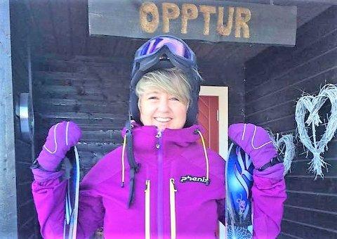 PÅ OPPTUR: June Enger slapper best av på hytta Opptur, som familien har på Hafjell.