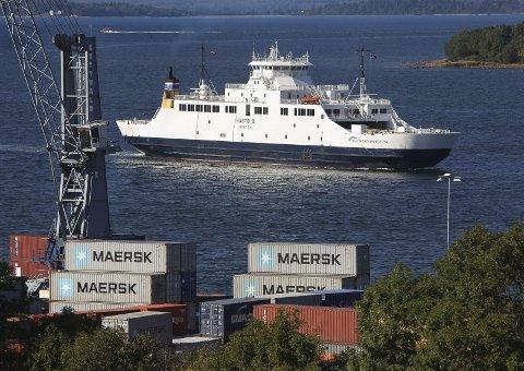 Sikker: Bastøfergen er et trygt sted for dem som ferdes over fjorden.