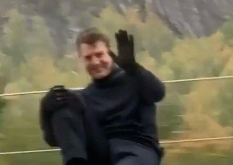 Her vinker Tom Cruise til Tomas Haugland Spangelo og resten av turfølget.