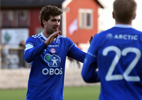 SEIERSJUBEL: KFUMs Kristoffer Hagen og lagkameratene satte pris på en 3-1 seier i cupen.