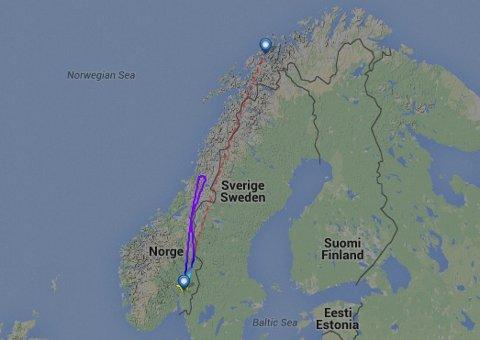 SØNDAG: Søndag snudde flyet som skulle til Tromsø midt mellom Namsos og Brønnøysund.