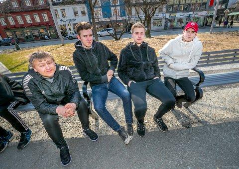 RUSS: Martin Ellingsen, Peter Tollefsen, Andreas Hansen og Even Mortensen er elever ved Breivang videregående skole. De vil ikke ha midreårige i Bukta, natt til 1. mai.