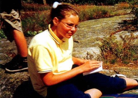KRISTIN: Den 5. august 1999 ble Kristin Juel Johannessen funnet drept på Mørk utenfor Larvik. Nå utgis en podkast om saken.