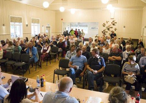 Debatt: Salen på Breidablikk var full under debatten mandag.
