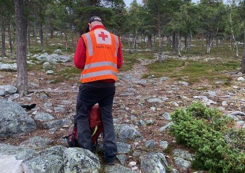 LETEAKSJON: Røde Kors bidro i leteaksjonen etter en 37 år gammel mann ved Femunden i Engerdal. Mannen ble funnet natt til mandag.
