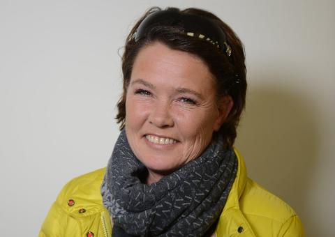 – Hagenytelse: Politiker Cathrine Palm Spange har verken hytte- eller sydenangst i påsken, for hun skal tilbringe den der hun pleier; hjemme i hagen ved Tenvik dAer det er sesongstart for vekster og dyr. Foto: Tønsbergs Blad