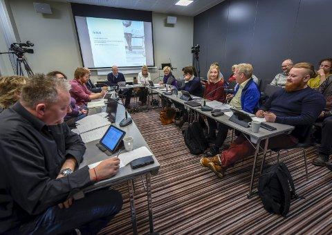 Helgelandssykehusets styre er samstemt i at flere områder må belyses enn de som kommer fram i ressursgruppas foreløpige rapport.