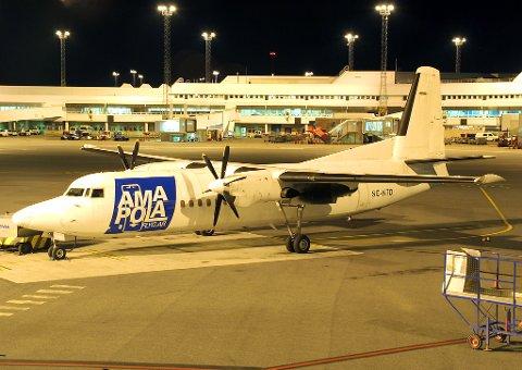 Her et et fly fra Amapola Flyb AB på Arlanda. De skal fortsatt fly til Hemavan minst fram til oktober neste år.