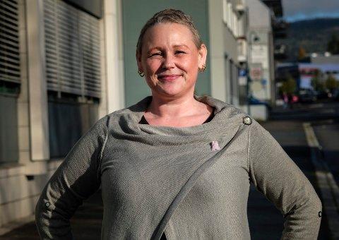 – Jeg er kreftpasient til evig tid, selv om jeg nå er kreftfri. Jeg har både erfaring med sykdommen og kan relatere meg til dem som er rammet., sier brukerrepresentant Trine-Mari Aavitsland (48). Hun er også leder i Brystkreftforeningen i Rana og omegn.