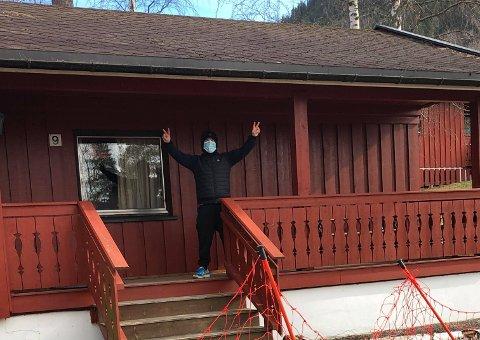 ANNERELDES HYTTETUR: Koronasyke Daniel Hagen var blant de få som fikk lov å overnatte på hytte i en kommune han ikke er bosatt i. Foto: Privat
